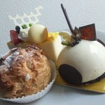 13875973 - シュークリーム、オレンジの??、イチジクとチョコレートのムース