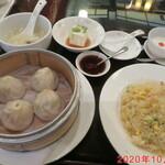 香港海鮮飲茶樓 - 小籠包セット 1380円(税込)