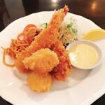 洋食屋クメキッチン - 料理写真:ミックスフライ