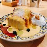 ミッドツリー - クリームブリュレソースのカステラパンケーキ