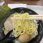 九ツ家 - 麺