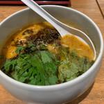 鶏白湯らーめん自由が丘蔭山 - 特製担担麺(968円)
