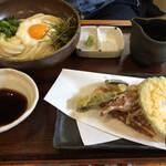 Sanukiudonharushin - ワイフ注文の山かけのヘルシー天ぷらのセット