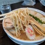 亞呉屋 - チャーシュー麺 太麺
