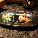 野郎寿司 - これお通し。ちょっとチープな感じやけど、ね。