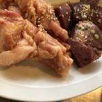 神保町食肉センター - ランチネックピートロとハツ