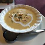 レストラン コロナ - Cセットのスープ