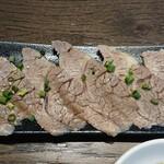 焼肉・韓国料理 KollaBo - 増量分の肉
