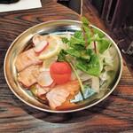 和×伊 大衆酒場カランコロン - 炙りサーモンポン酢