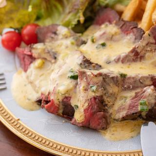 本場パリのステーキを再現した【パリ風ステーキ】が美味しい♪