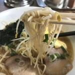 おじいちゃんのつくったラーメン ひらたラーメン - 麺リフト
