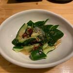 肉×魚×日本酒 照 - たたきキュウリ 390円