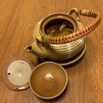 ひろしま旬彩 鶴乃や本店 - たっぷり入った松茸の土瓶蒸しはまさに至極の逸品です‼️✌︎('ω')✌︎