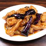 珉珉 - 秋野菜と鶏肉の黒酢炒め