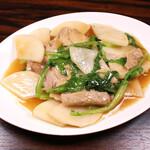 珉珉 - 豚肉と大根のわさび菜炒め