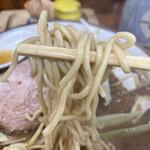くまもとらーめん ブッダガヤ - パツパツの麺