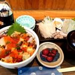 味鮮まえかわ - 朝いか刺身と海鮮あられ丼