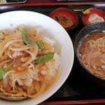 大龍飯店 - 豚バラにんにく丼セット