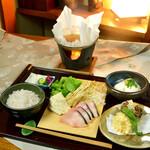 神楽坂 おいしんぼ - 湯葉と旬魚の小鍋を昼御膳で