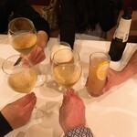 フィーコディンディア - 乾杯はそれぞれの好きなドリンクで