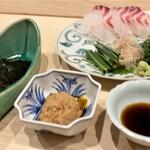 Haramasa -  明石の鯛 あん肝で海苔巻きに 鯛の白身で淡白な味に、濃厚なトロッとしたあん肝の脂と旨味、薬味と海苔の風味も良く、堪らないです♪