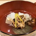 Haramasa - 秋茄子と鱧のお椀 秋茄子は一度素揚げしてますが、油との相性がやはり良いですね、とても柔らかです