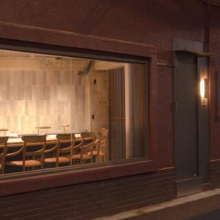 【隠れ家レストラン】路地裏にひっそりと佇む大人の秘密基地