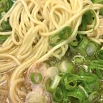 いいちょ - 麺は丸麺