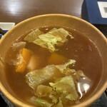 花小宿 - レタス、南京、芋、お揚げの味噌汁