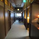 花小宿 - 宿の廊下 クラシカルな雰囲気です