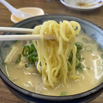 白ひげ食堂 - 豚汁ラーメン 500円 (リフト)