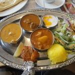 13888658 - 「SAPANAランチセット」(1300円)のプレート料理