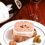 カップベアラー - やっぱり美味しい「お肉屋さんのパテとTOLOのカンパーニュ」