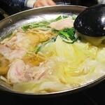 食べ放題飲み放題居酒屋 もず - 鶏鍋。とても美味しい!