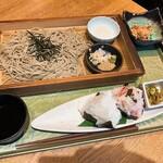 新潟 食楽園 - 小千谷のへぎそば(960円)+おにぎり2個(300円)