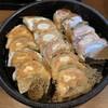 鉄なべ - 料理写真:鉄板餃子