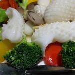 Kaorunshurou - いかとブロッコリーの塩味炒め 1,200円(税込)