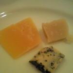 トレ プンティーニ - チーズ盛合せ