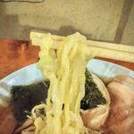 日光軒 - ぴろぴろ~~どん兵衛みたいな麺ですが美味い!