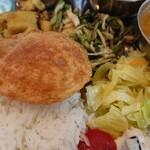 moona - フィッシュカレーは付け合わせ全てがスッキリ系、食後が軽い