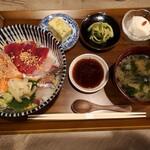 庵樹 - 三種の海鮮丼