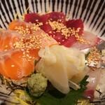 庵樹 - 海鮮丼のアップ