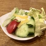 ブラジレイロ - サラダはかなりあっさりなドレッシングでベジファーストね~