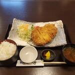 とんかつ高和 - 料理写真:ロースかつランチ(税込930円)