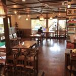 アジアンオールドバザール ウブドレストラン - 店内