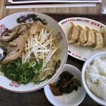 餃子家 龍 - ランメンギョウザセット。