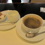 カフェ・トロワグロ - コーヒー