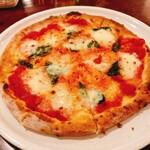 ピッツェリア チンクエ - 料理写真:マルゲリータ