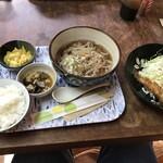 ねこや食堂 - ししゃもフライ定食(900円)