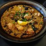 PEP spanish bar - 地鶏とキノコのパエリア